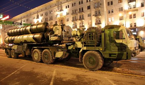 S-400 during rehearsal for Victory Day in Moscow in 2009. Image Credit: Wikimedia Commons