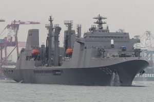 Panshi_Fast_Combat_Support_Ship_(AOE-532)
