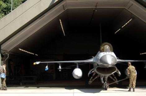 F-16 belonging to Dutch air force in hardened aicraft shelter. ROCAF also utilizes hardened shelters to protect its planes against missile strikes. Image Credit:  CC by U.S. Air Force/Wikimedia Commons