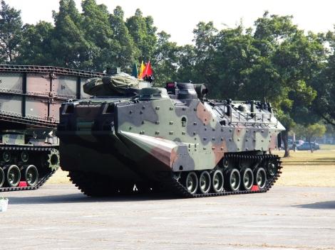 ROCMC_AAV-7A1_in_ROCA_Infantry_School_Ground_20120211