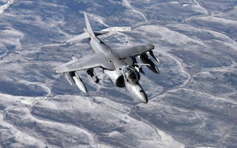 AV-8B Harrier refuel